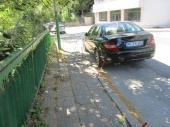 Повредени ограничители за паркиране